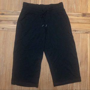 NWOT Kenneth Cole Reaction Crop Lounge Pants